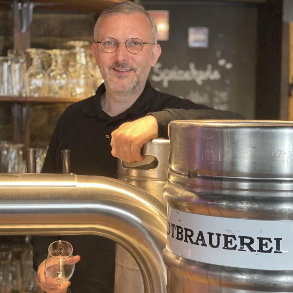 The Shakespeare Pub bietet ab jetzt Gezapftes Bier To Go an